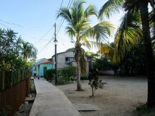 Mais comme partout ailleurs, à Placencia la pauvreté et les inégalités sociales sont aussi une réalité, Stann Creek District, Belize.