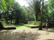 Jeu de balle à Nim Li Punit, au cœur de la jungle. Toledo District, Belize.