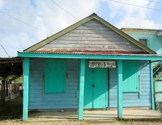 Petit échoppe de Punta Gorda. Presque tous les commerces sont fermés le dimanche. Toledo District, Belize.