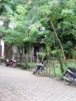 La moto est un bon moyen pour se déplacer dans Livingston et les environs. Guatemala.