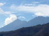 El Fuego est un volcan toujours actif près de la ville d'Antigua, Guatemala.