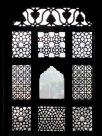 Ces fenêtres finement ciselées offraient une vue imprenable sur les environs, Birsingh Deo Palace, Datia, Inde.
