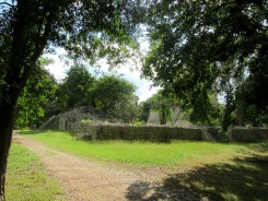 La découverte des édifices de Chichen Itzà, lovés dans la nature, alimente le mystère et me font rêver...Chichen Itzà, Yucatán, Mexique.