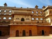 Le Raja Mahal dans toute sa majesté, Orchha, Inde.
