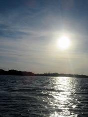 Le soleil descend tranquillement sur la réserve de Rio Lagartos, Yucatán, Mexique.