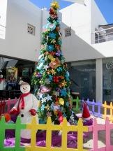 Un arbre de Noël au Centre d'achats de San Miguel de Allende, Guanajuato, Mexique.