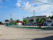 'El parque central' est désert en ce dimanche matin. Rio Lagartos, Yucatán, Mexique.