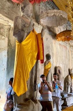 Gigantesque Bouddha, Angkor Wat. Siem Reap, Cambodge.