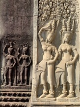 Partout, des apsaras ou danseuses, témoignent du talent des sculpteurs des temps anciens d'Angkor. Siem Reap, Cambodge.