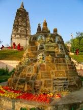 Au temple Mahabodhi à Bodh Gaya, Inde.