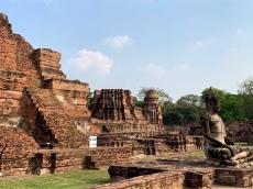 Le Bouddha à l'entrée du Wat Maha That dans toute sa splendeur, Ayutthaya, Thaïlande.