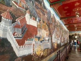 Les scènes du Râmakien, la version thaïe du Râmâyana, est peinte sous les arcades entourant le Wat Phra Kaeo, Bangkok, Thaïlande.