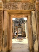 Une succession de corridors du Prasat Muang Tham, dédié au dieu hindou Shiva. Isan, Thaïlande.
