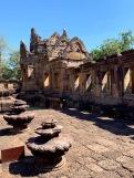 Détail de la gopura entourant le temple central du Prasat Muang Tham, Isan, Thaïlande.