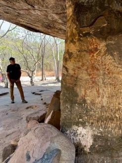 Ces gigantesque formations rocheuses sont devenues des lieux de culte à travers l'histoire. Certaines gardent les vestiges d'un lointain passé. Parc national préhistorique de Phu Phra Bat, Isan, Thaïlande.