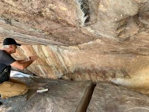 Cette structure du Phu Phra Bat cache des peintures rupestres de l'époque préhistorique. Isan, Thaïlande.